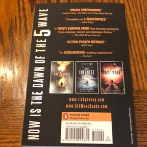 The 5th wave book NWT